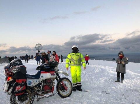 71 GRADER NORD: Marek Suslik ankom Nordkapplatået samtidig som Hurtigrute-turistene før helga.
