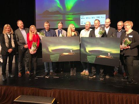 FIKK PRIS: Discovery og TVNorge fikk Nordnorsk markedsføringspris i dag. Prisen ble delt ut av forsvarsminister Frank Bakke-Jensen (H) under næringslivskonferansen «Nord i Sør 2018» på Radisson Blu Plaza Oslo mandag.