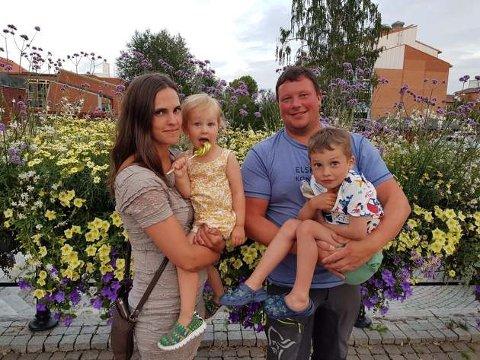 FAMILIEBEDRIFT: Anette Hoel, Tilie, Kjell Gunnar Pettersen Johansen og Felix.