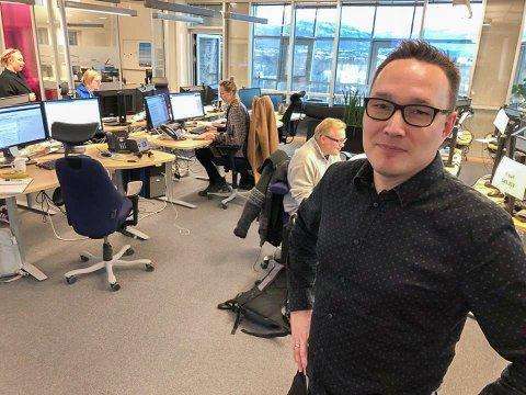 FORNØYD: NRKs distriktsredaktør Robin Mortensen er godt fornøyd med søkerlista til journaliststillingen ved Kirkeneskontoret.