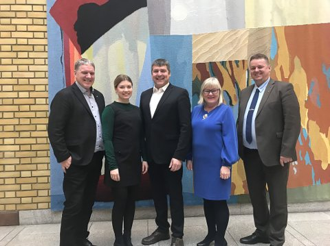FINNMARKSREPRESENTANTER: Geir Adelsten Iversen (Senterpartiet), Marianne Aas Haukland (Høyre), Bengt Rune Strifeldt (Fremskrittspartiet), Ingalill Olsen og Runar Sjåstad (Arbeiderpartiet) er Finnmarks representanter på Stortinget.