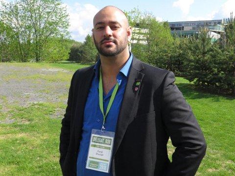 STILLER TIL VALG: Farid Shariati (32) stiller til valg som nasjonal talsperson i Miljøpartiet De Grønne. Hans motstander Arild Hermstad regnes imidlertid som favoritt. Foto: Halvor Ripegutu