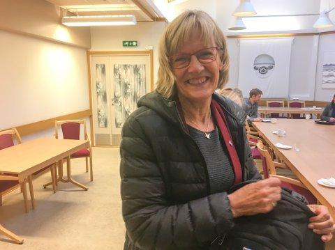 HASTEMØTE: Komitéleder Karin Andersen (SV) i Stortingets Kommunal- og forvaltningskomité  sier dette er fjerde gang hun opplever en kansellering fra Lakselv. Hun må derfor pakke bagen og haste videre til Alta, etter et superkjapt møte med Porsanger kommune.