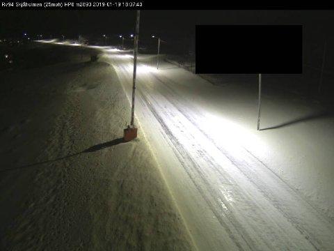 ISDEKKE: På Rv 94 Kvalsund bru - Hammerfest er det for øyeblikket Snø- og isdekke.