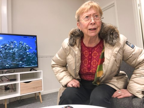 SINT: Hild Opdøhl i Lakselv er sint over hvordan mannen Roald Thomassen ble fraktet til Porsanger helsetun, etter en ukes opphold på intensivavdelingen ved Hammerfest sykehus.