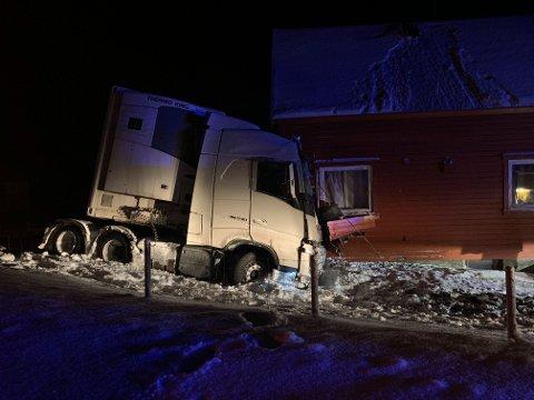 AV VEIEN: Ulykken skjedde ved Krampenes i Vadsø kommune.
