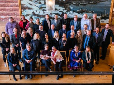 KOMMUNESTYRET: Dette bildet ble tatt i 2019 av det sa nye Hammerfest kommunestyre. Siden da har Ap mistet tre av sine medlemmer, og er ikke lenger ei flertallsgruppe.