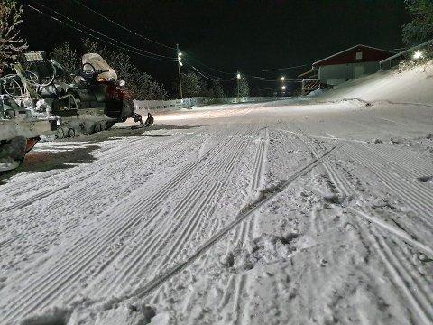 LANG VINTER: – Når man kan gå på ski i oktober blir det en lang vinter. Tradisjonelt sjøsamisk ordtak, skriver Fred Persen på Facebook.