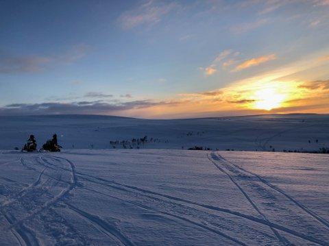 ÅPEN: Noen få kommuner har åpent deler av sine scooterløyper i Finnmark.