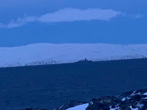 FREGATT: Bildet er tatt utenfor Forsøl og viser en fregatt.