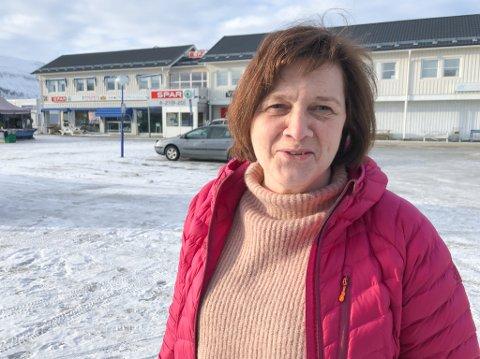 GLEDER SEG: Kristina Hansen, som er fylkesråd for samferdsel ved Troms og Finnmark fylkeskommune, sier hun gleder seg til å vise frem den nye båten da den blir klar til neste år.