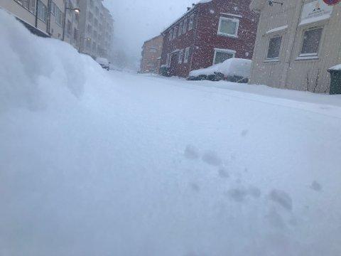 SNØVÆR: Dette bildet er tatt i Hammerfest søndag morgen.