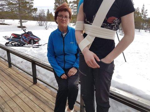 TAKKER FOR HJELPEN: – Vi vil selvfølgelig takke alle som har hjulpet Eivind i de siste to dagene, forteller mamma Nina Opgård Løknes.