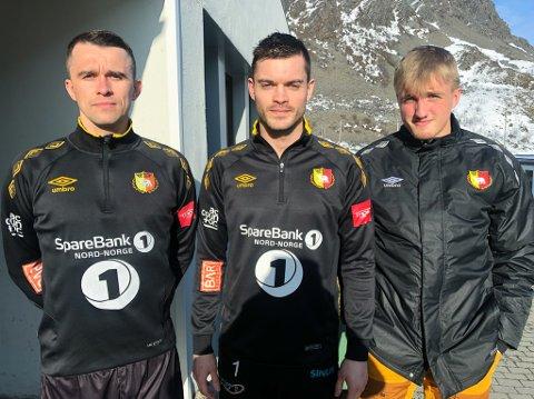 DRAR ØSTOVER: Trener Janis Vaitkus (til venstre), Vitalijs Artjomenko og Sindre Duurhuus og HIF/Stein spiller to kamper i Sør-Varanger denne langhelga. Foto: Trond Ivar Lunga