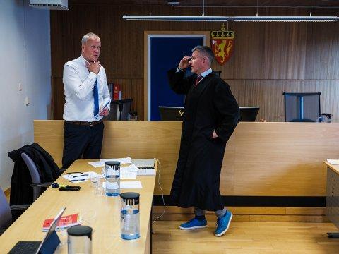 Førstestatsadvokat i Troms og Finnmark, Lars Fause og tiltaltes forsvarer Kjetil Hugo Nilsen.