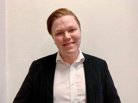 Gleder seg: Finn-Håkon Sneve Steinbakk ser fram til å represenere de unge i kommunestyret i Sør-Varanger de fire neste årene.