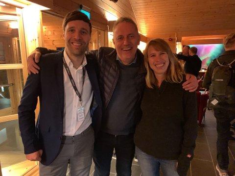 – GLEDELIGE TALL: Arne Reginiussen, Are Stokstad og Anniken Sandvik er for øyeblikket samlet til Amedias lederkonferanse. I år er konferansen lagt til Finnmark da iFinnmark ble årets mediehus i Amedia i 2018.