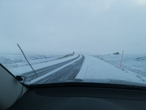 Onsdag morgen var det snø på Båtsfjordfjellet.