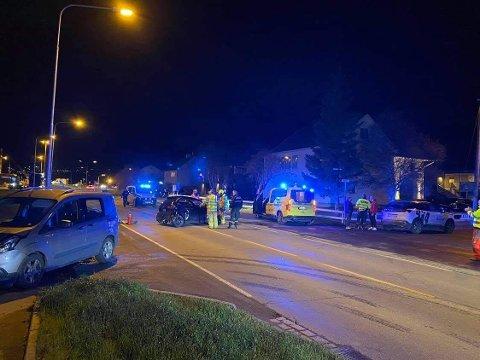 FULL UTRYKNING: Alle nødetatene rykket ut i forbindelse med ulykken på Elvebakken tirsdag kveld..