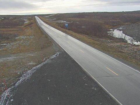 OVERLEVERINGSSTED: Her i området ved Aisaroaivve på E6 mellom Skaidi og Alta skal store mengder amfetamin ha skiftet eier, etter at den først har blitt fraktet i leiebil fra Oslo, og så overlevert til et par fra Porsanger.