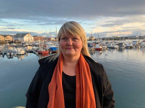 OPPGITT: Veronica Carstens må betale omtrent like mye for boligen i Vadsø som for fritidsboligen i Berlevåg. Nå frykter hun at hun må selge hytta si for å få hjulene til å gå rundt.