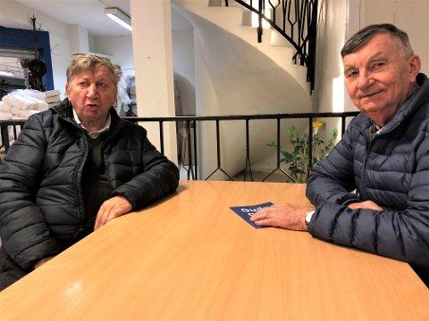 """HOLDER SEG FRISKE: Både Arne Hansen og Alf Waldemar Pedersen holder seg friske fra influensa. Men de har hver sin type """"vaksine""""."""