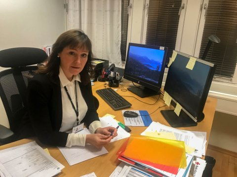 GOD OVERSIKT: Alta-ordfører Monica Nielsen opplyser at de i dag har god kontroll på smittetilfellene, men på kort tid kan statusen endre seg. Derfor håper hun nå at vaksineringen kan normalisere hverdagen.
