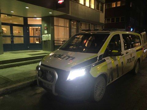 Politiet rykket ut til Alta sentrum mandag ettermiddag.