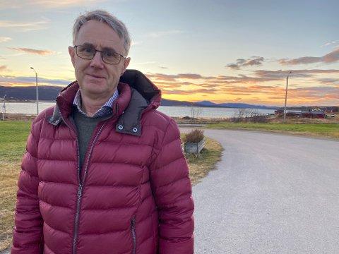 NYHETER: Dekningsdirektør i Telenor, Bjørn Amundsen, brakte med seg flere gode nyheter om bedre dekning på flere steder i Lebesby, blant annet på stedet Lebesby.