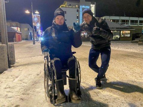 FORNØYD DUO: Nils Jøran M. Eira og Hans J. Eriksen Norbye er overveldet over givergleden til folk.