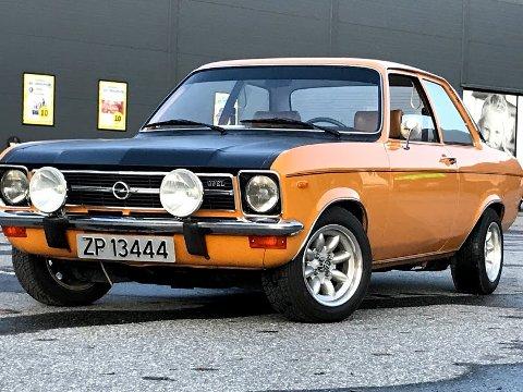 POPULÆR: Denne bilen av merket Opel Ascona fra 1973 var svært populær i sin tid, også i Finnmark. Nå har en post om denne bilen satt fyr på Facebook.