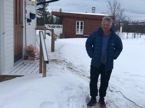 KONTROLL: Smittevernlege og kommuneoverlege, Jørn Gregersen i Porsanger kommune, mener å ha kontroll, etter at tre personer korona-smittede har blitt bekreftet i Porsanger.