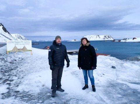 TRENGER KRISEPAKKE: Daniel Myhre i Destinasjon 71° Nord  har måtte permittert hele arbeidsstokken. Leder i Finnmark Ap, Kristina Hansen, mener at de trenger direkte tilskudd skal denne næringen overleve.