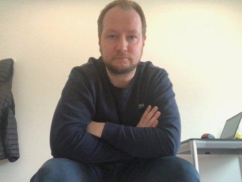 BEKLAGELIG: Salgssjef Anders Nesse i Finnmark Dagblad og Finnmarken synes det er beklagelig å måtte permittere flere kollegaer.