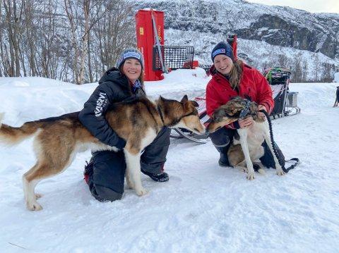 GODE VENNER: Irene Furulund og Trine Soleng Nedregård er begge førstegangskjørere. Både de og deres firbeinte venner har blitt godt kjent den siste tiden.