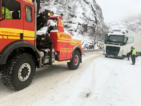 NOK Å GJØRE: Bergningsbilene som trafikkerer opp og ned Kløfta langs Europavei 45, har hatt mye å gjøre i de senere årene. Ut ifra den siste uken, ser det ikke ut som dette året skal bli noe annerledes. Bildet er tatt ved en tidligere anledning.