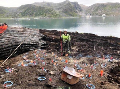 NYTT OPPDRAG: Sprengeservice Nord-gjengen har tidligere sprengt bort grunn i Honningsvåg. Nå skal de sprenge bort grunn i Havøysund.