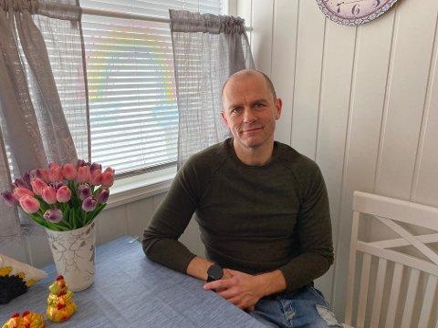 SMAKER INGENTING: Det var da Håkon Moen Stokvold mistet smakssansen, at alarmklokkene begynte å ringe.