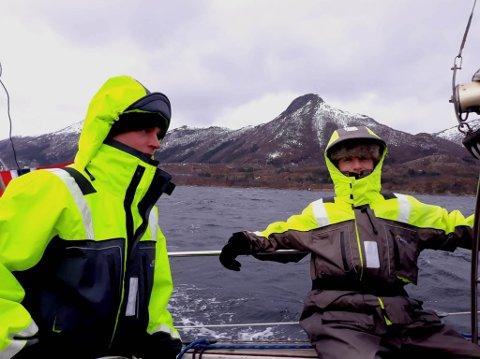 SEILERE: Jack Mikkel Revheim (til venstre) og Simen Georg Thomassen på seiltur fra Fredrikstad til Burfjord.