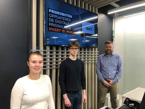 KLARGJØR FOR ÅPNING: Lise Kristine Nilsen, Vemund Huemer og Stig Olsen er snart klar for åpning av Power i Storsvingen. Foto: Trond Ivar Lunga