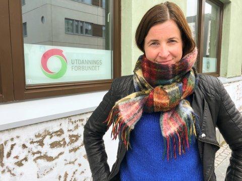 FRYKTER KUTT: Leder Karoline Seppola Brøndbo i Utdanningsforbundet frykter kutt kan bli konsekvensen ved svakere kommuneøkonomi. Foto: Trond Ivar Lunga