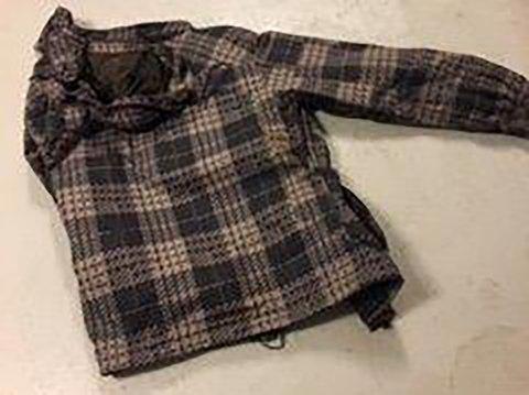 FUNNET DØD: Denne jakken skal ha tilhørt den omkomne mannen.