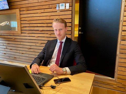 Forsvarer Daniel Storrvik. Alta tingrett har satt rett i Indre Finnmark tingrett i Tana.