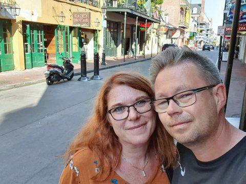 ENDRET FERIEPLANENE: Samboerparet Hilde Johnsen og Raymond Robertsen skal for første gang på ferie til Finland. Foto: Privat