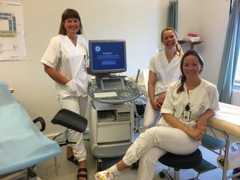 JOBB: Ingrid Petrikke Olsen, Siri Strand Pedersen og Marit Vidringstad jobber alle på Hammerfest sykehus.