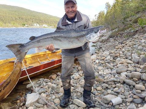 Einar Suhr med laks på 19,5 kg.
