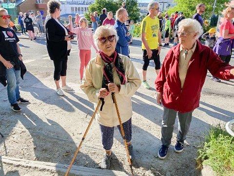 FAST DELTAKER: Petra Olsen (95) er fast deltaker i Siksakkløpet. Venninna Ragnhild Småvik (88) deltar for første gang i år.