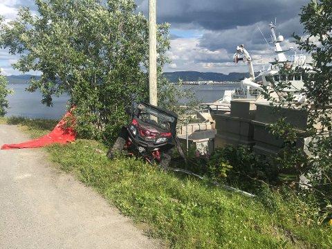 TO KJØRETØY INVOLVERT: Det var to unge sjåfører som var involvert i ulykken i Alta tirsdag ettermiddag. En av førerne ble fraktet til sykehus, og det meldes om at jenta er lettere skadet.
