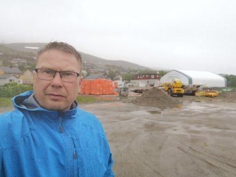 VIL HA UTBYGGING ANNET STED: Jørn A. Jørgensen mener man må ta vare på og utvikle området rundt Neptunbukta til et rekreasjonsområde, heller enn et industriområde.