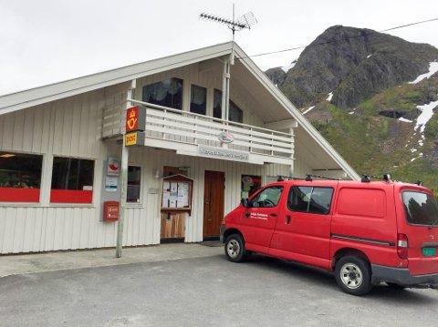 OPPDRETTSNÆRINGEN: Nærbutikken i Sør-Tverrfjord opplever ingen nedgang i starten av fellesferien, selv om de utenlandske turistene uteblir så langt i år.